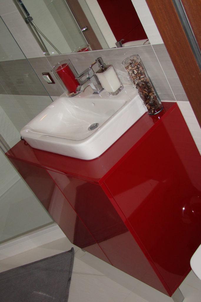 Wysoki połysk w łazience